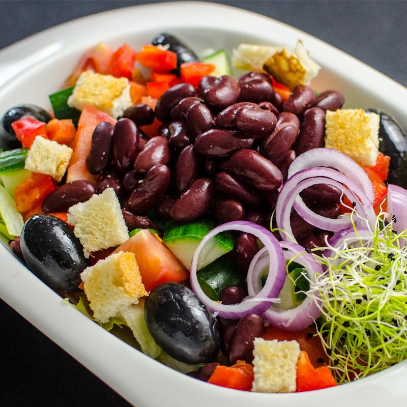 Salata cu fasole rosie