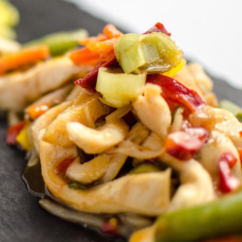 wok de pui cu legume asiatice cu sos dulce picant clubul campionilor. Black Bedroom Furniture Sets. Home Design Ideas
